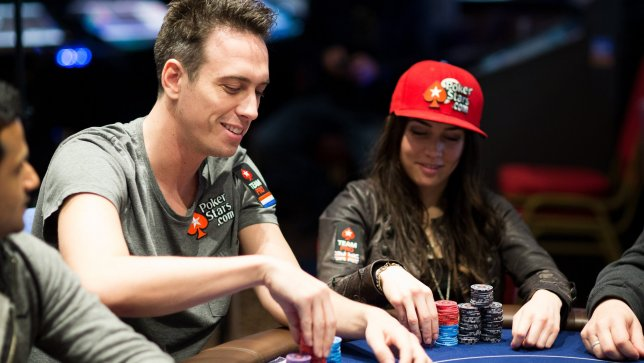 Earning Some Money by Playing in Poker Online